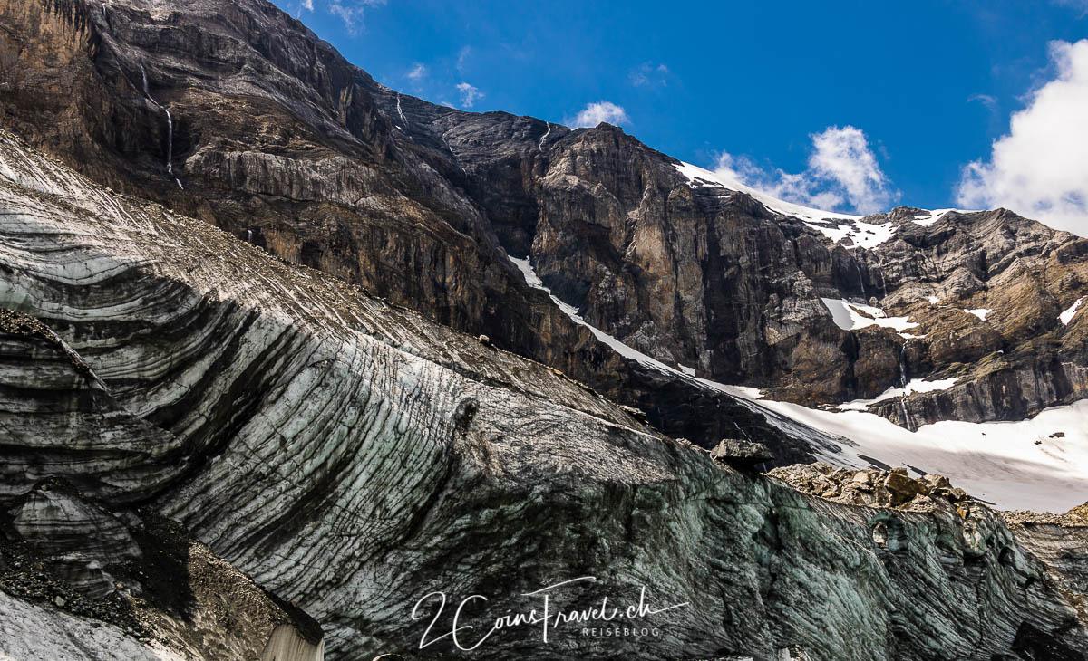 Schutt auf dem Gletscher