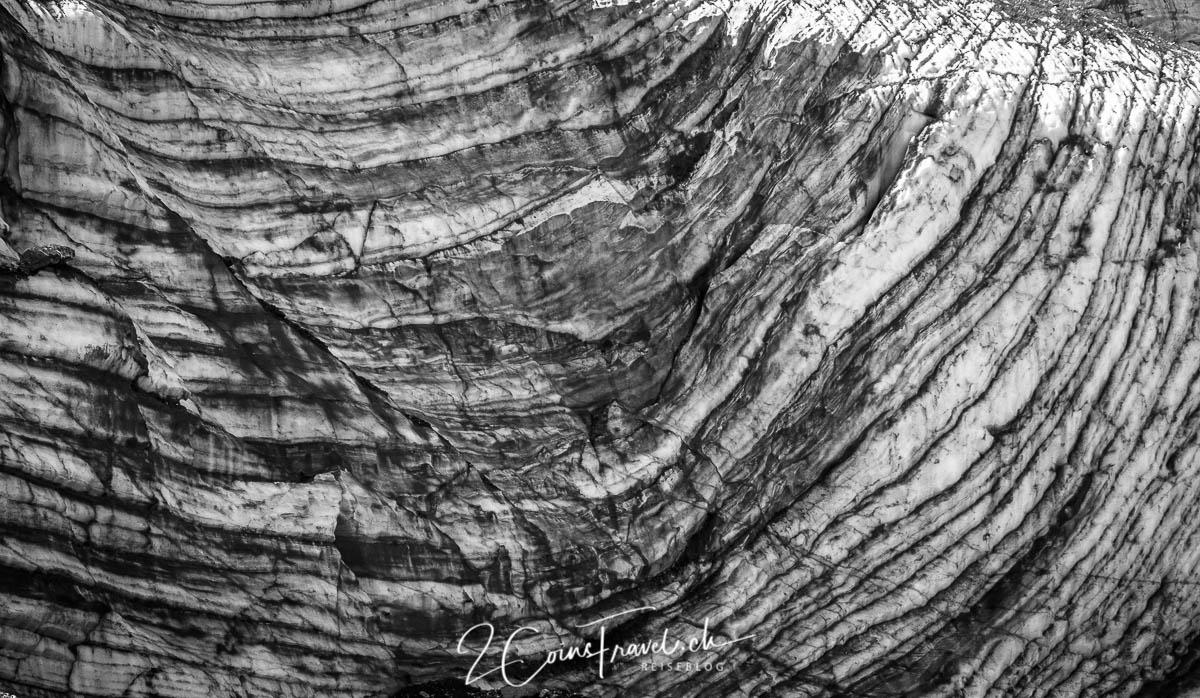 Spuren im Gletscher