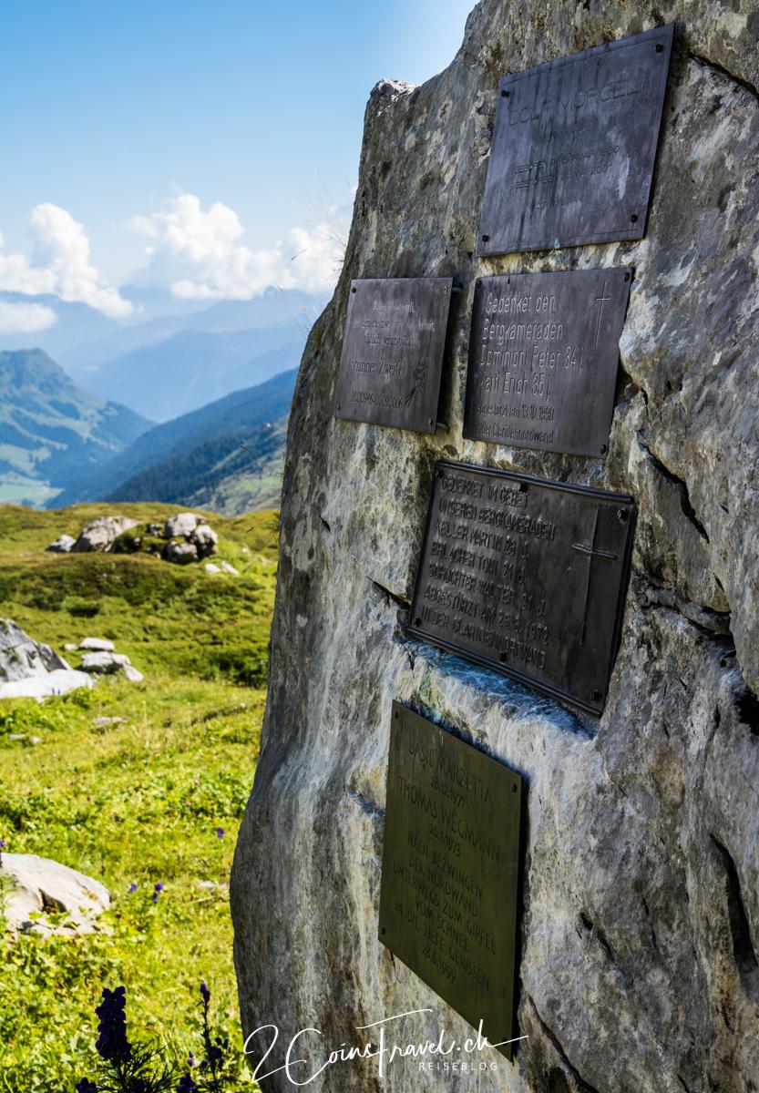 Gedenkstein Klausenpass