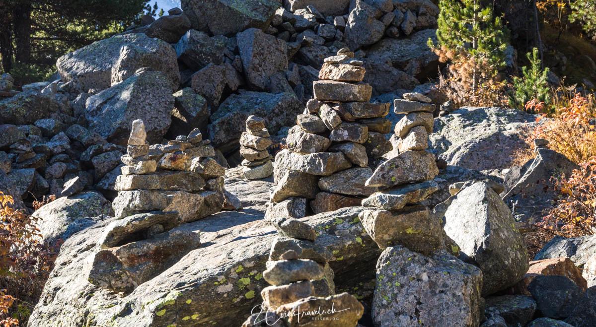 Steinmänner am Wegesrand