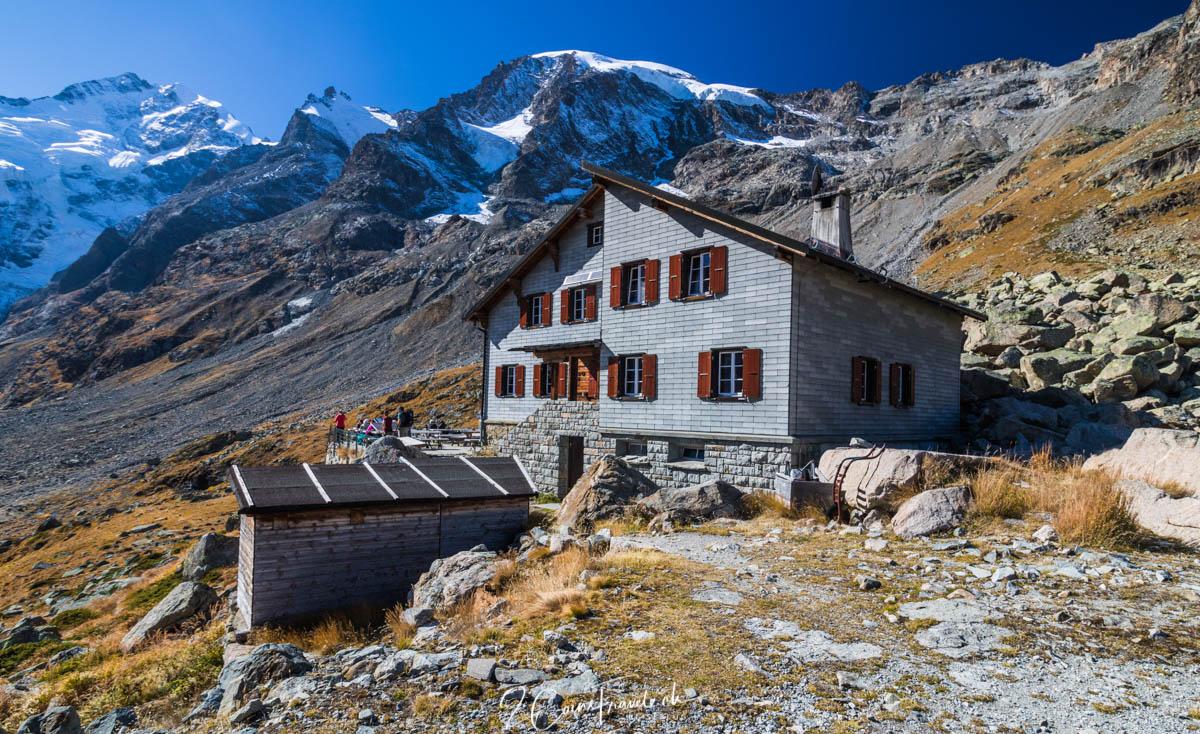 Blick auf die Bovalhütte
