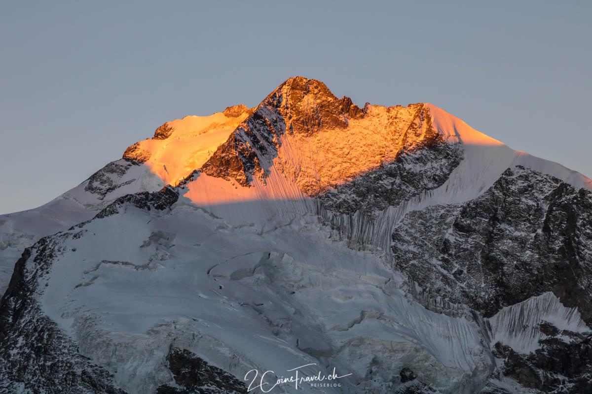 Piz Bernina im Sonnenaufgang