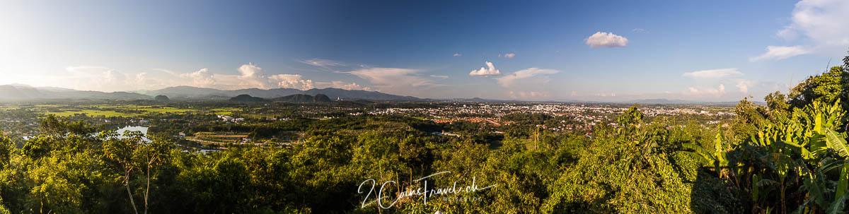 Panorama Wat Phra That Doi Khao Kwai