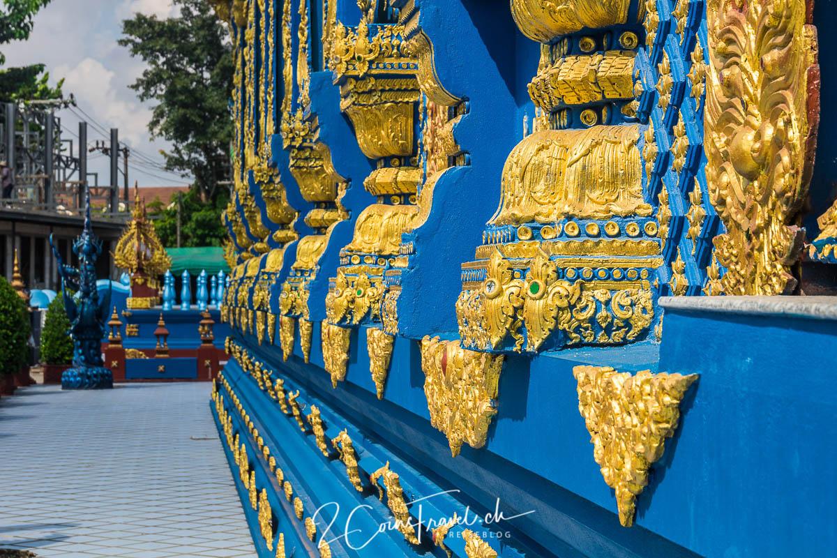 Seitenansicht blauer Tempel
