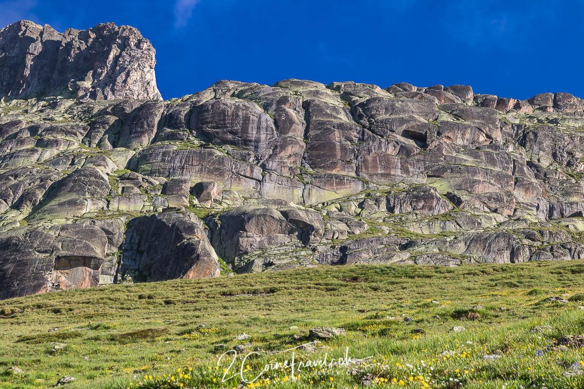 Felswand am Oberaarsee
