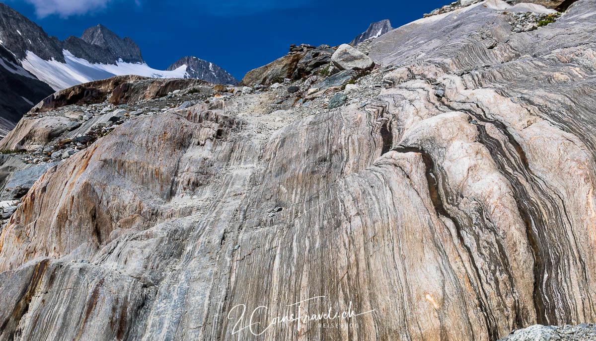 Geschliffene Steine am Gletscher