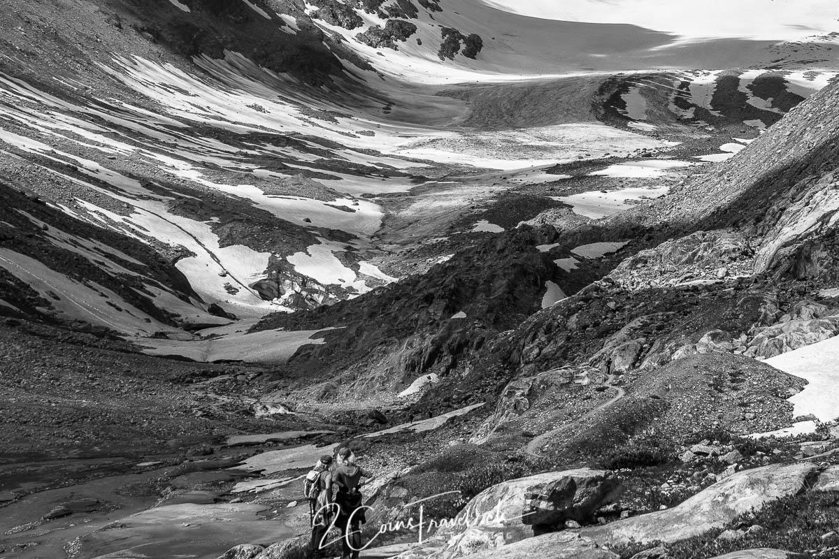 Wanderer auf dem Weg zum Gletscher