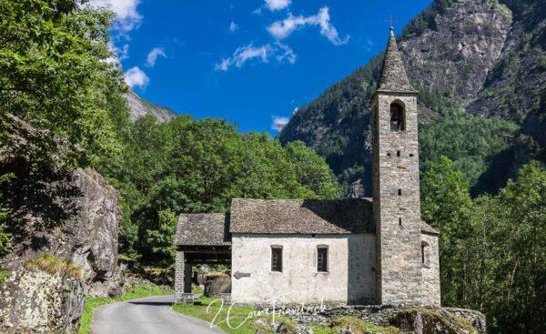 Bavonatal Kirche