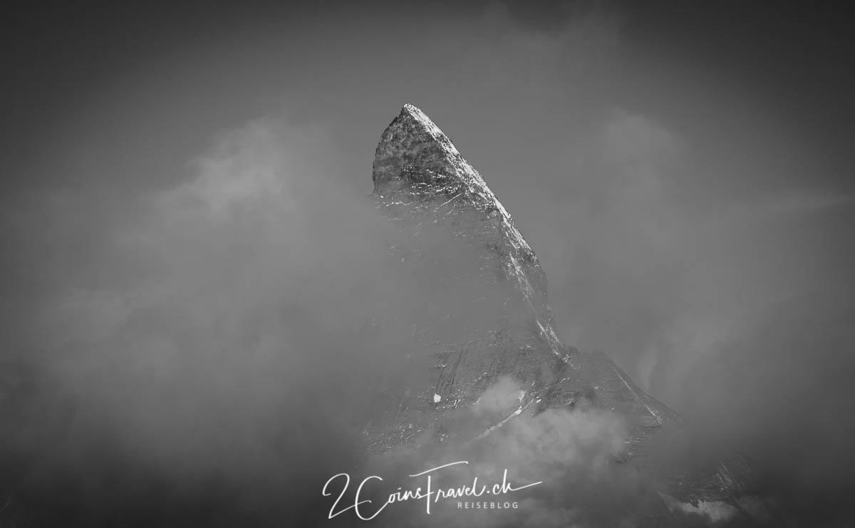Matterhorn und Wolken