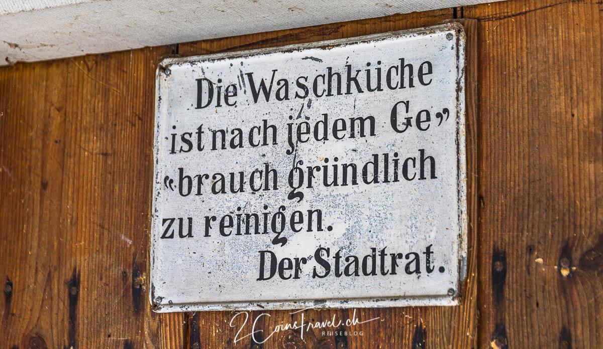 Schild von Waschküche