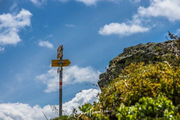 Wegweiser am Wanderweg