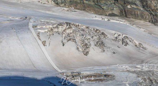 Skipiste und Gletscherspalten